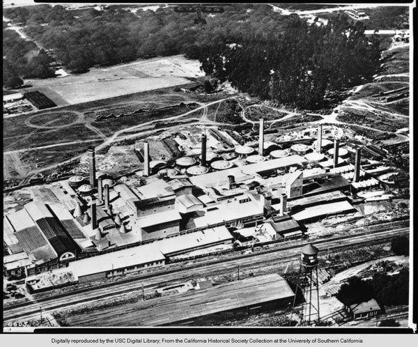1924 aerial photo of the new Gladding, McBean Pottery (the former Tropico Pottery plant), where Dorr Bothwell's small ornamental ceramics would be made. Note, at the bottom of the photo, the Southern Pacific Railroad tracks dividing Los Angeles from Glendale. Photo from the California Historical Society Collection at the University of Southern California, courtesy of the USC Digital Library..