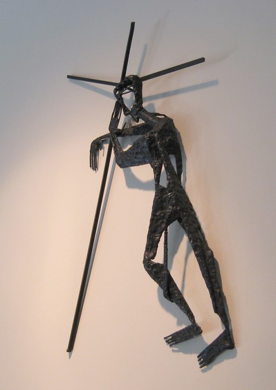 Fran Moyer, Stations of the Cross 02: Jesus carries the cross. Welded steel (1954). Mounted in the Sanctuary of Saint Anselm's Episcopal Church in Lafayette, California. Photo: CG Blick